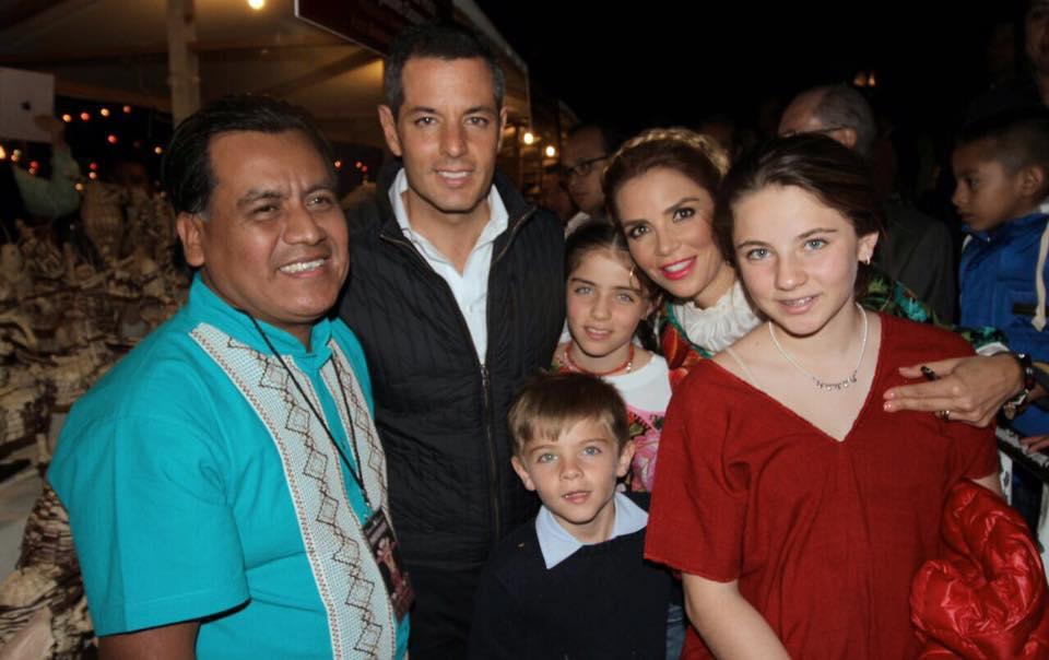 Photo of Desea familia Murat Morán, una Feliz Navidad y un año exitoso a las familias Oaxaqueñas