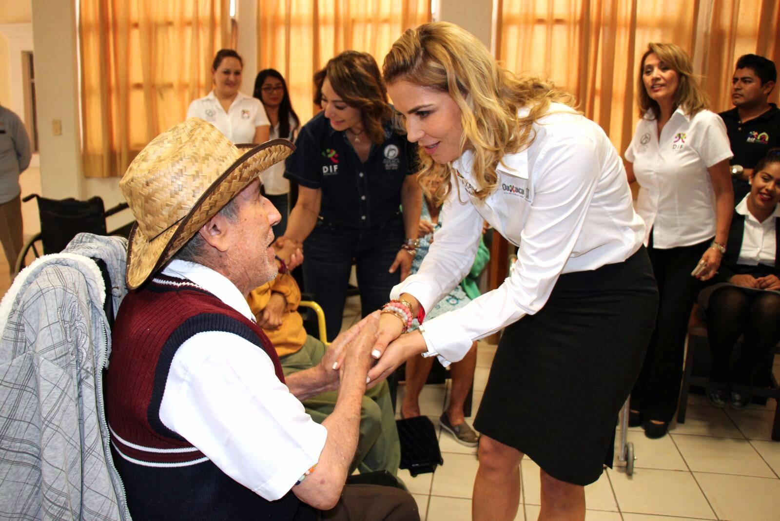 Photo of Constata DIF Estatal necesidades de las casas Hogar y de Día del Adulto Mayor