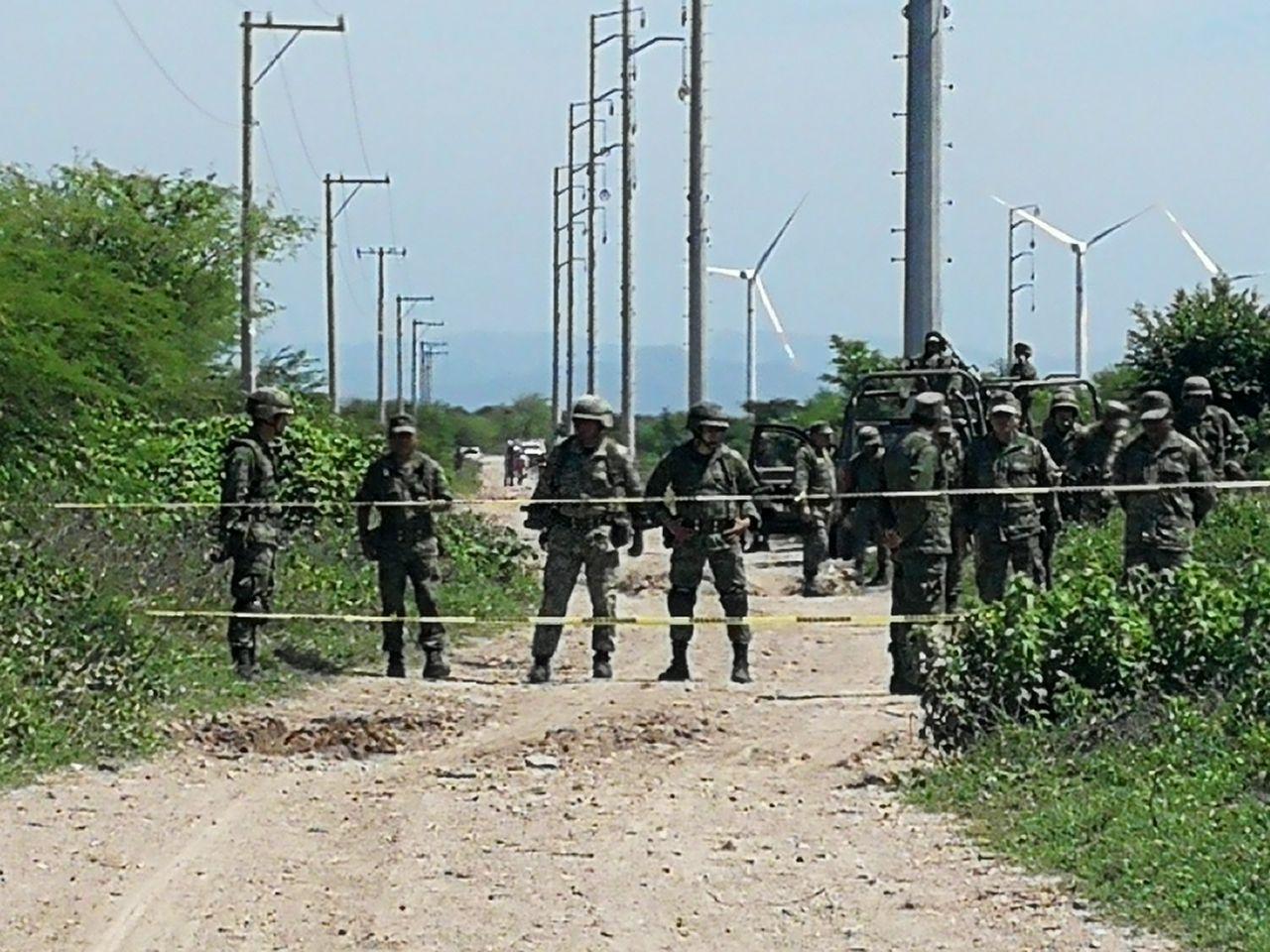 Photo of Impiden soldados ingreso de campesinos de San Blas a sus terrenos