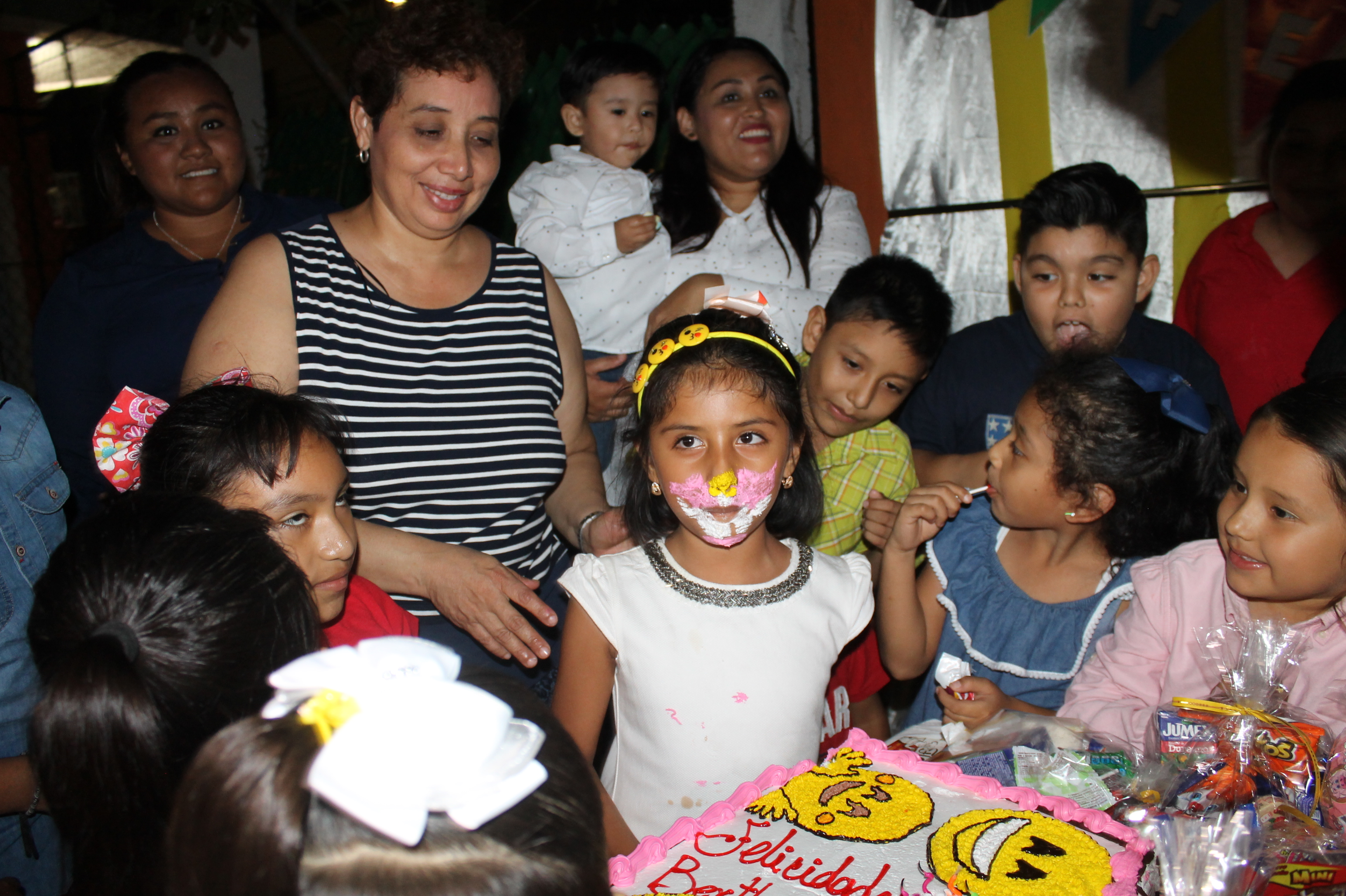 Photo of LE CELEBRAN SUS 7 AÑOS A BERTHITA
