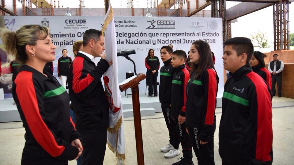 Photo of Abandera Alejandro Murat a delegación que participará en Olimpiada Juvenil
