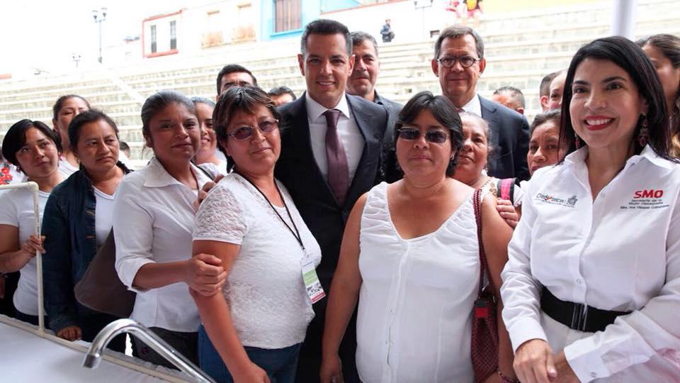 Photo of Inauguran Alejandro Murat y Roberto Campa Primera Feria de Empleo Turístico en Oaxaca