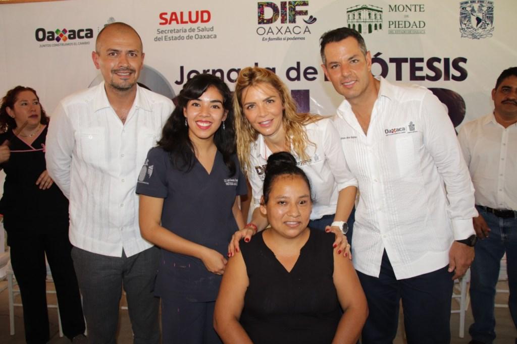 "Photo of ""Jornada de Prótesis Ocular"" beneficia a 52 personas en el municipio de San Pedro Mixtepec"
