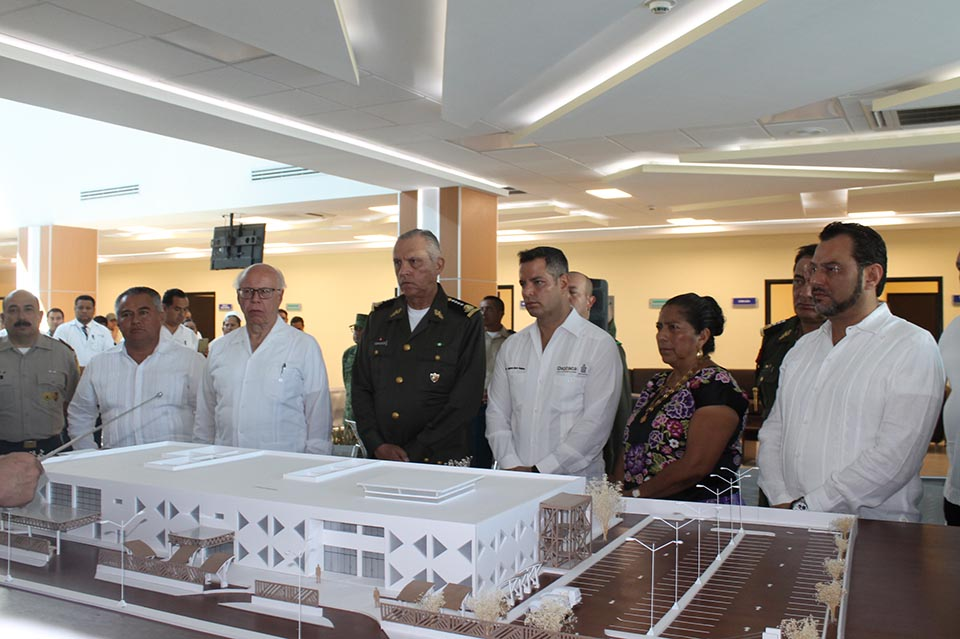 Photo of Entrega Sedena hospital de Juchitán a gobierno de Oaxaca
