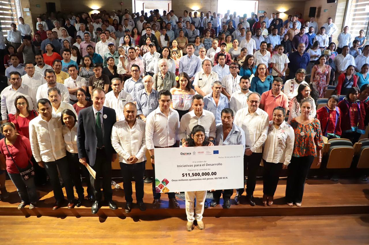 Photo of Gobierno de Oaxaca y la Unión Europea entregan 11.5 mdp a 30 iniciativas con vocación productiva