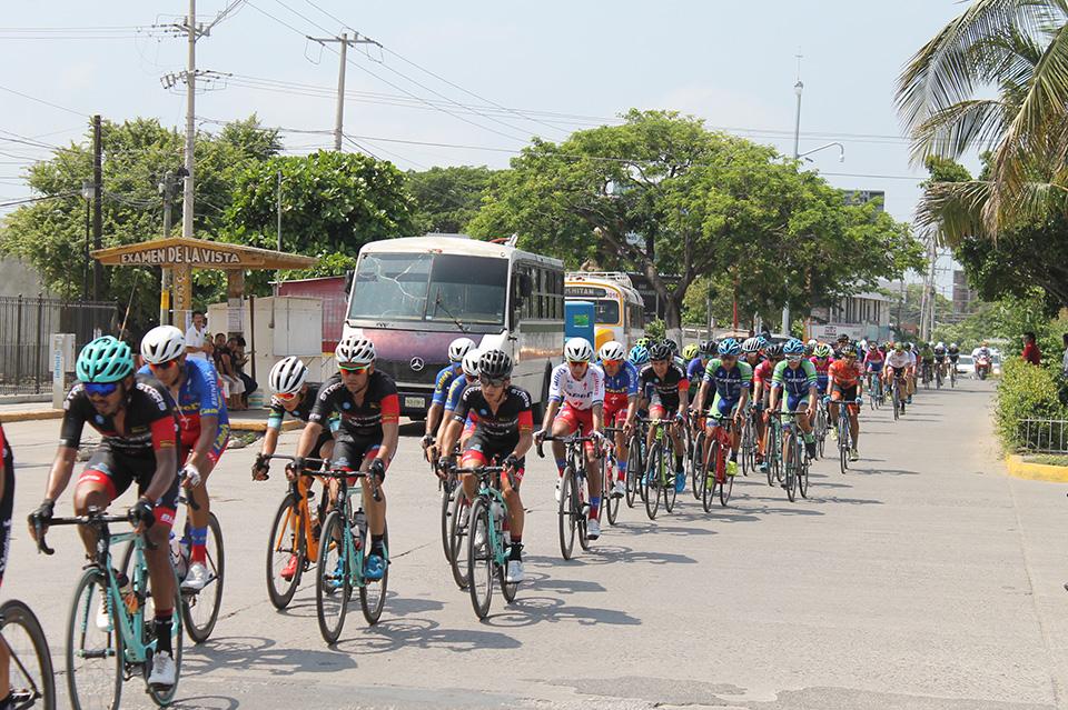 Photo of Ciclista Guelaguetza 2019 en Juchitán