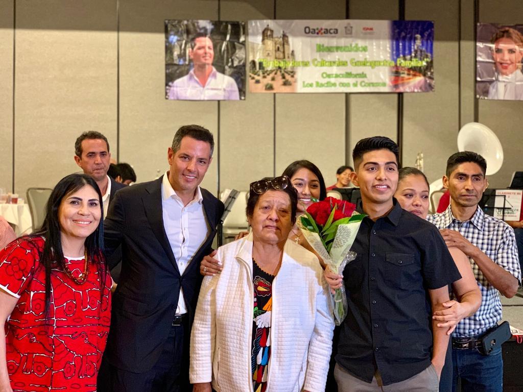Photo of Realiza Gobierno del Estado las ediciones 33, 34 y 35 del Programa Guelaguetza Familiar en California