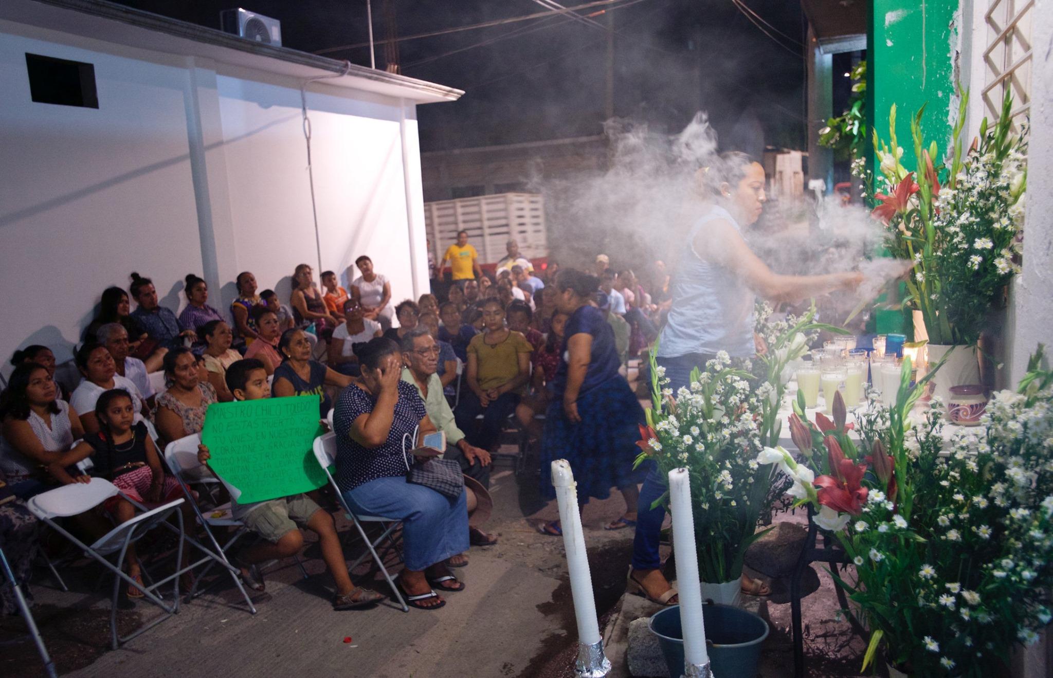 Photo of Realizan cocineras juchitecas rezo para Francisco Toledo