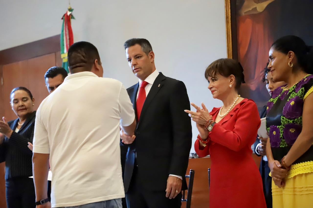 Photo of Entrega AMH boletas de liberación en beneficio de 150 personas