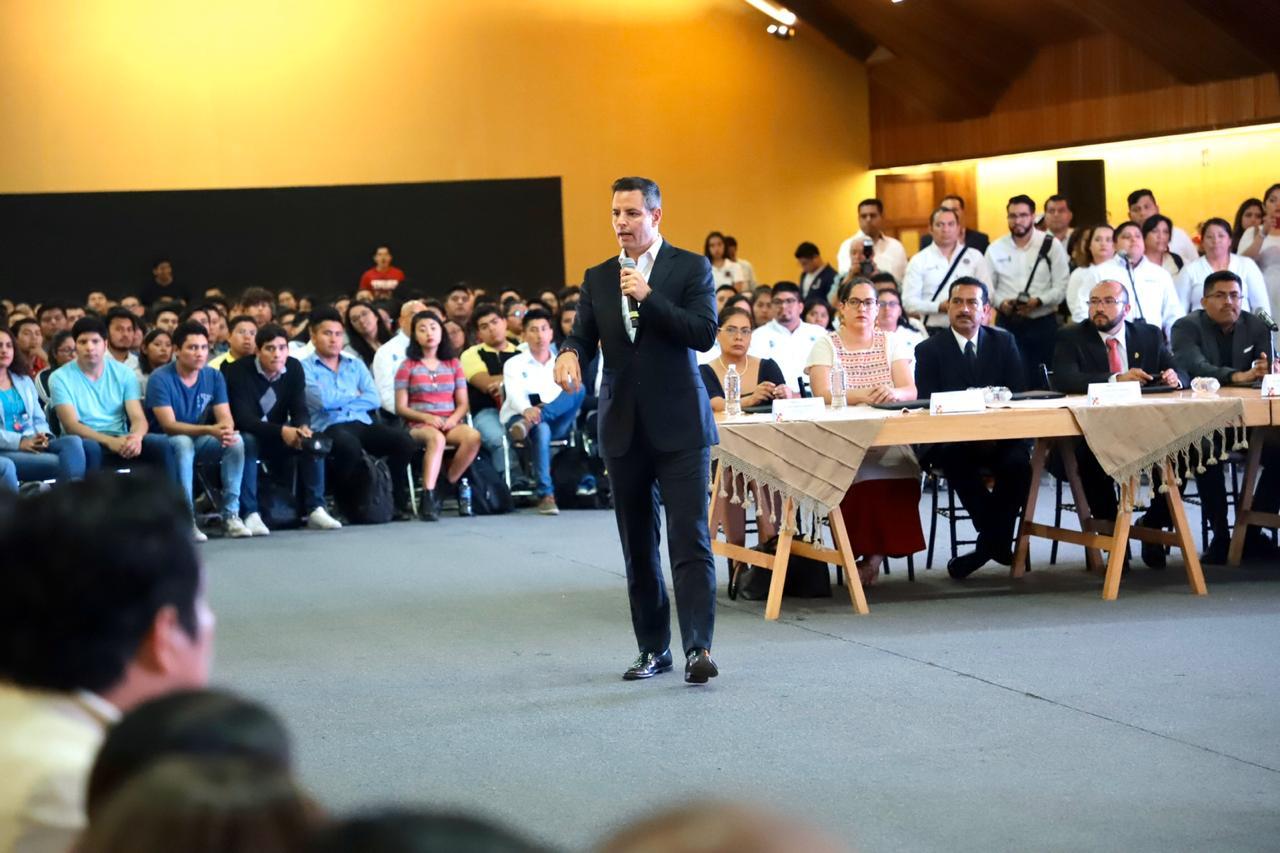 Photo of Fortalece Gobierno de Oaxaca la profesionalización y competencias laborales de la juventud universitaria