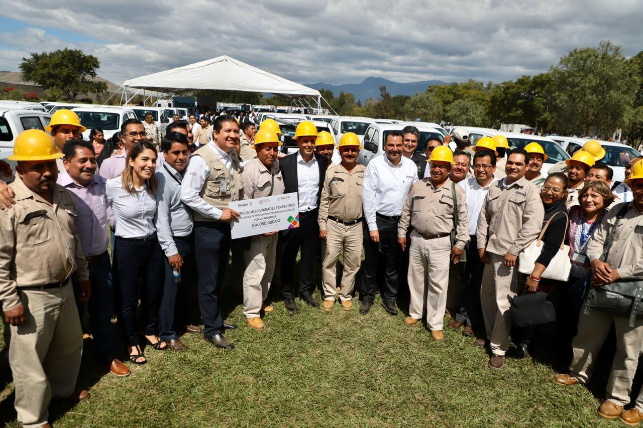 Photo of Fortalece Alejandro Murat Servicios de Salud de Oaxaca con más de 51.6 mdp