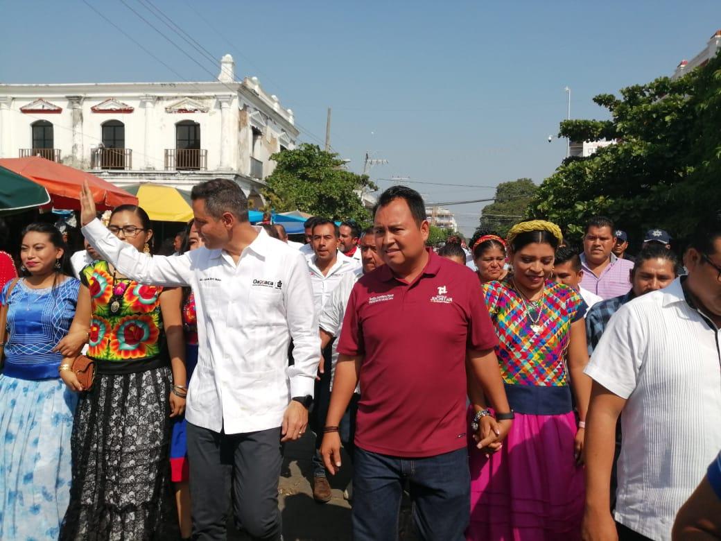 Photo of Realiza gira de trabajo en Juchitán Alejandro Murat