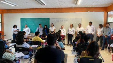 Photo of Se ausentan mayoría de profesores en primer día de clases en el ITI