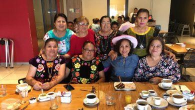 Photo of El grupo de yoga le festeja su cumpleaños a Fulvia Celaya Rasgado