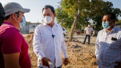 Photo of De cara al pueblo, y con su participación, Gobierno de Juchitán reconstruye drenaje colapsado: Emilio Montero