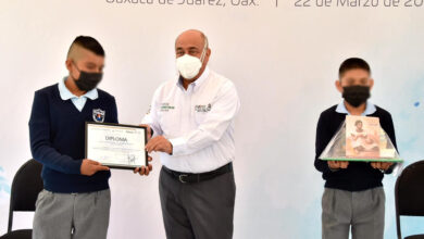 Photo of Premian IEEPO y Conagua a estudiantes ganadores del Primer Concurso de Arte Colectivo sobre uso del agua