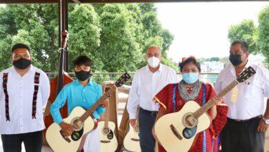 """Photo of Cuenta el CIS """"Niños Héroes"""" de La Sabana, Juxtlahuaca  con nuevos instrumentos musicales: IEEPO"""