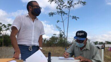 Photo of Firman más adultos mayores segundo amparo para recibir vacuna en Unión Hidalgo